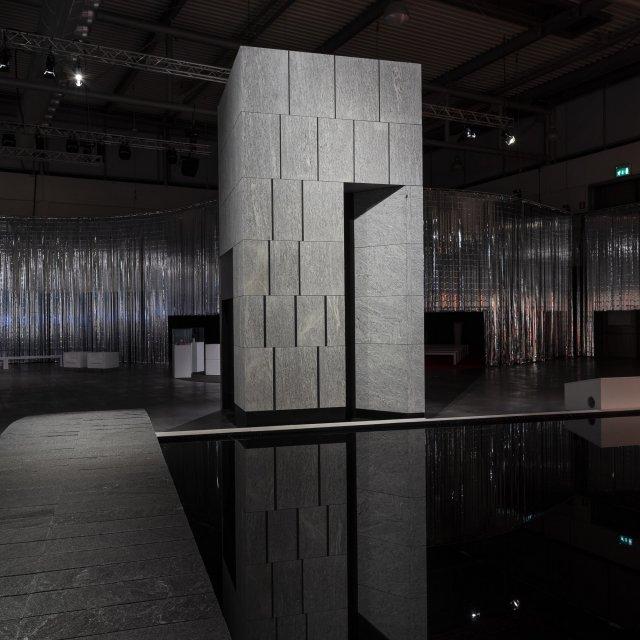 italian_stone_theatre_architetture_per_lacqua_silver_cloud_1_.jpg